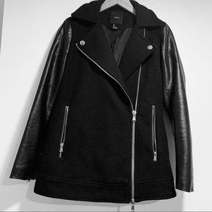 Forever 21 black zippered Moto leather jacket
